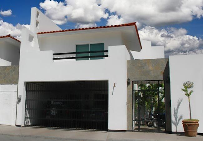 Fachada Moderna Con Terraza Y Garage Techado For The Home