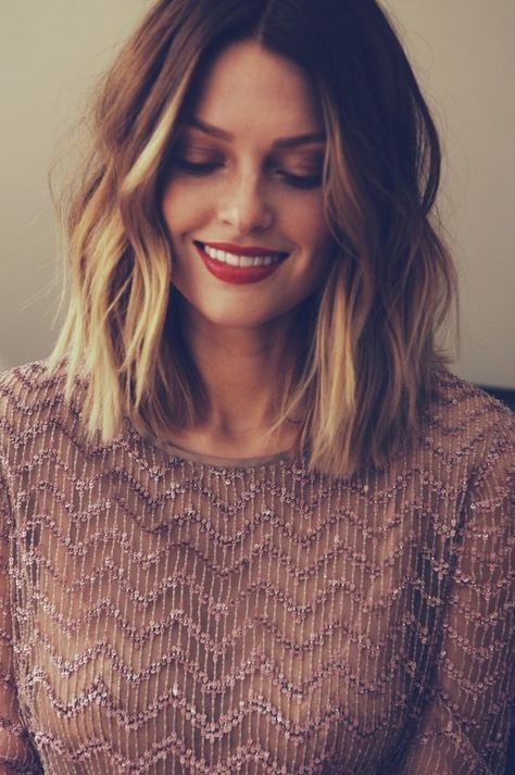 How To Style Short Hair While You Re Growing It Out And