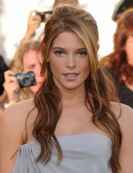 Peinado Media Cola Abultado Ashley Greene Jpg 450 586 Hair Color