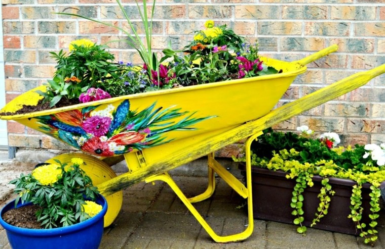 Reciclaje Creativo 50 Ideas Geniales Para Un Patio Diferente