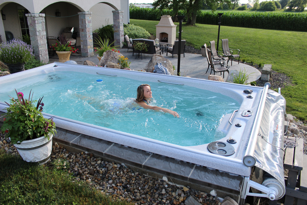 Swim Spa Vs Jacuzzi Exterior Cu L Elegir Blog Del